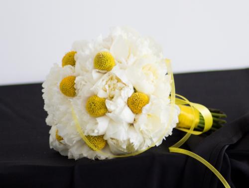 buchet mireasa alb galben