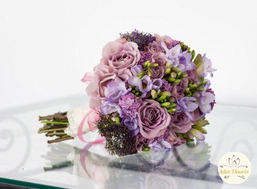 buchet mireasa trandafiri lila